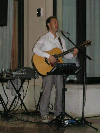 Hotel du Lac et Bellevue : Live Musik im Du Lac, das ist Paolo