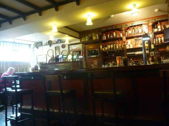 The Laurels Pub: Interior