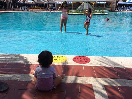 Hotel Cozumel and Resort: Albercas muy kids friendly