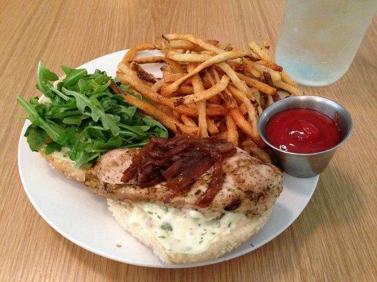 Pasture : grilled chicken sandwich