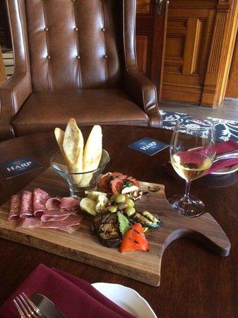 Idlewyld Inn & Spa : Pre-dinner delight!