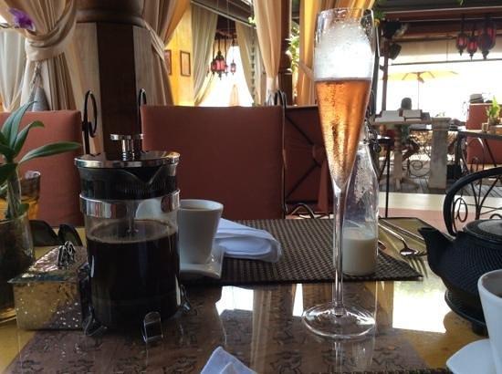 Zazen Boutique Resort & Spa : champagne breakast