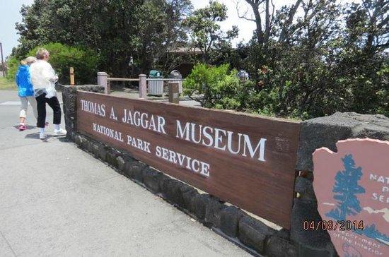 Thomas A. Jaggar Museum: Museum Enterance