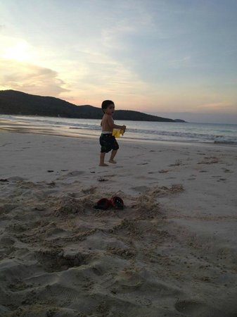 Culebra Beach Villas: Mi tesoro jugando!!