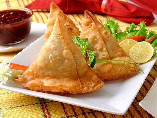Sitar Indian Restaurant: samosa (veg or meat)