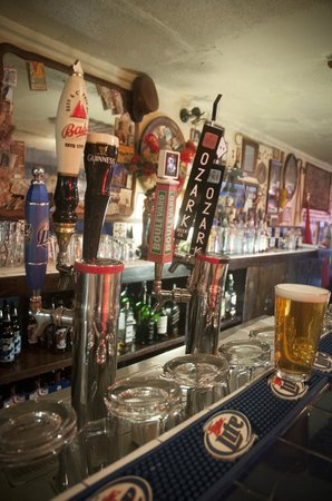 Hugo's Restaurant: Beers on tap