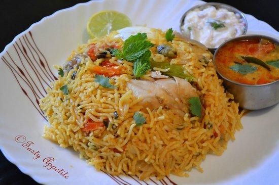 Sitar Indian Restaurant: Biriyani (veg / chicken / Lamb / beef)
