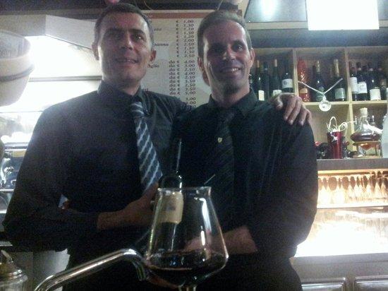 Dream Lounge Bar: Cheers..!