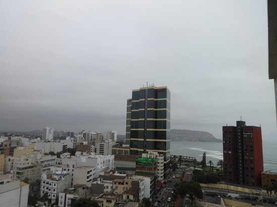 Ibis Larco Miraflores: foggy, but you can see the ocean!
