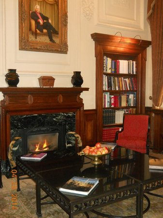 Hotel Le St-James: Bibliotheque