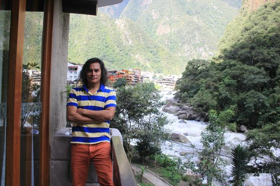 SUMAQ Machu Picchu Hotel: En el balcón de la habitación, gran vista del río Urubamba.