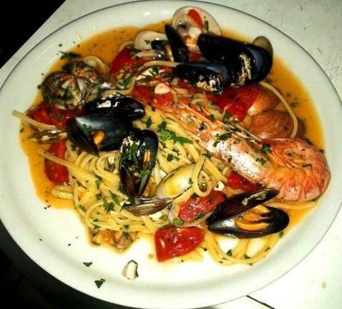 Il Ritrovo Sorrento: Spaghetti ai frutti di mare