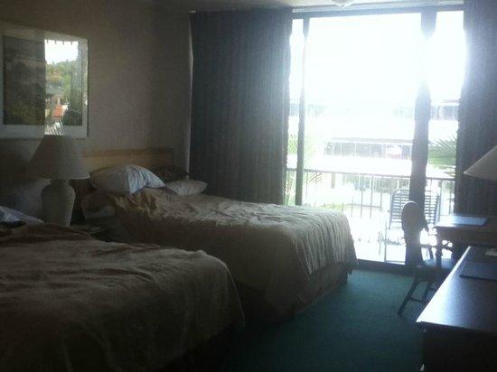 Inn by the Sea : Room 303
