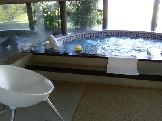 Hotel Art & Spa Las Cumbres: Jacuzzi Spa