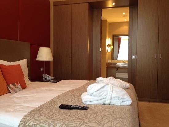 Austria Trend Hotel Savoyen Vienna : habitacion