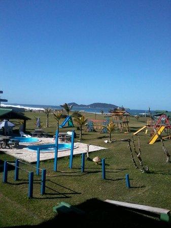 Morro Das Pedras Praia Hotel: Área de lazer do hotel e proximidade com o mar