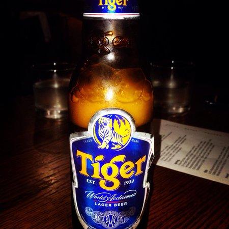 Momofuku Ssam Bar: La cerveza Tiger muy buena!