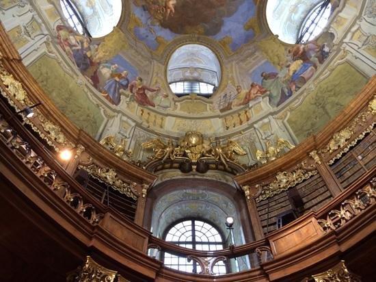 Historisches Zentrum von Wien: biblioteca nacional