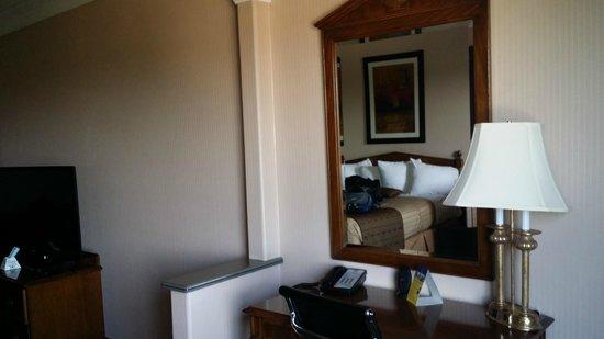 Motel 6 Los Angeles LAX: Nice room