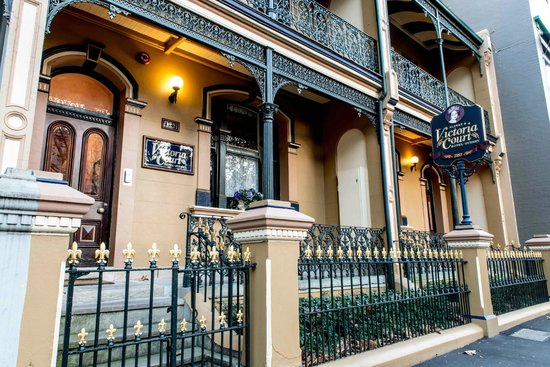 Victoria Court Hotel Sydney: Our hotel