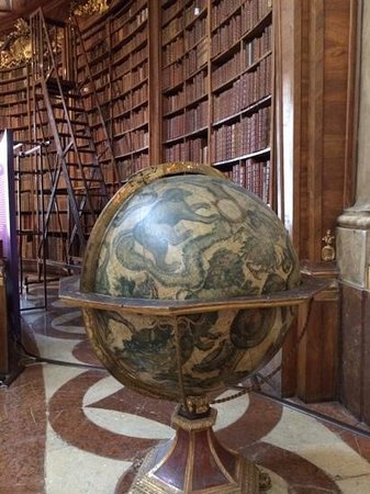 State Hall of the Austrian National Library: biblioteca