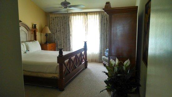 Kona Coast Resort: Bedroom