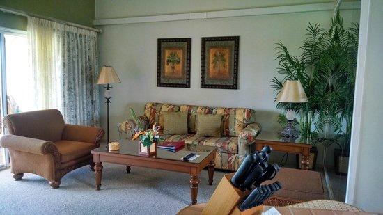 Kona Coast Resort: Living room