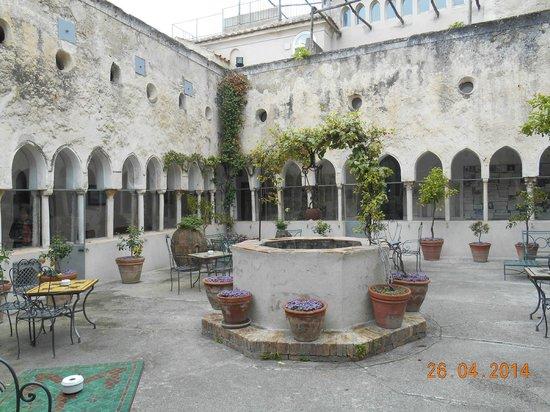 Hotel Luna Convento: patio interno