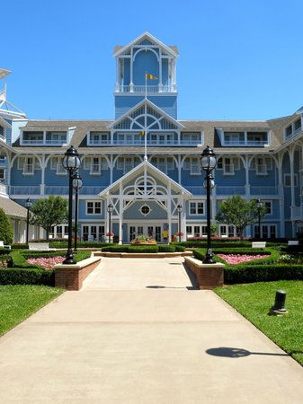 Disney's Beach Club Resort: View of the back entrance to the resort