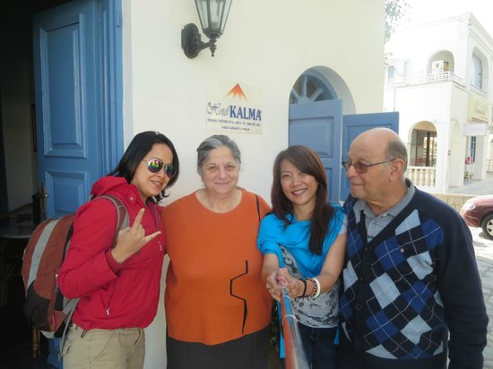 Hotel Kalma : Us with the owner, Lucas and Irene