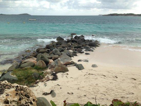 Orient Bay Beach : Rock Divider of Nude / Non Nude Orient Beach