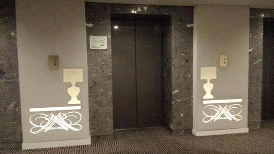 Midas Hotel and Casino: Elevator, 8th flr