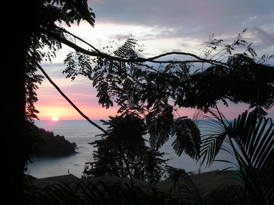 Tulemar Bungalows & Villas: View of sunset from Mot Mot patio