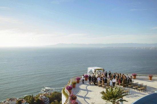 Grand Miramar All Luxury Suites & Residences: Wedding set-up