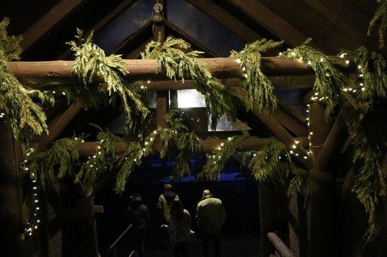 The Lakefront Restaurant : Festive entry.