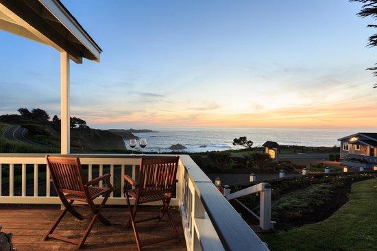 Sea Rock Inn: Ocean view Cottage #1