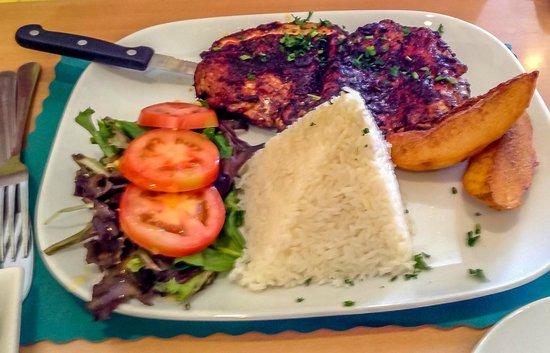 Delicias Peruanas: Chicken Plate