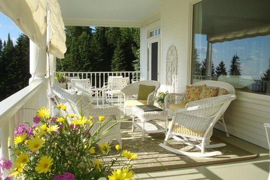 Blair Hill Inn : The beautiful broad porch