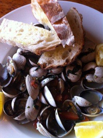 The Drift Inn: Delicious clams