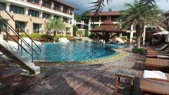 Kacha Resort & Spa, Koh Chang : 山景房的游泳池