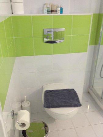 Saint Vlassis Hotel: Bathroom