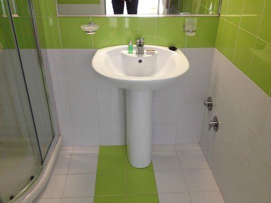 Saint Vlassis Hotel: Sink