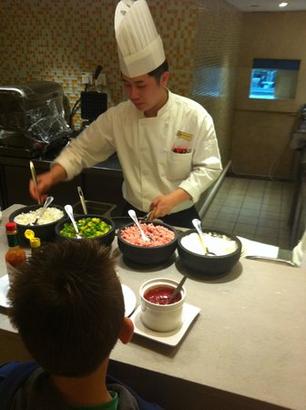 Park Hotel Hong Kong: Breakfast Chef