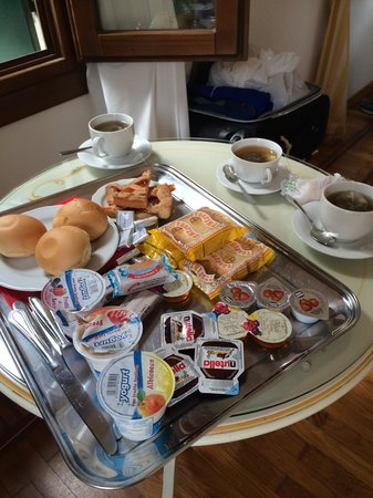 Casa sul Molo : Breakfast in the room