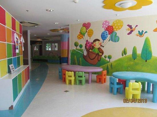 Novotel Hua Hin Cha Am Beach Resort and Spa : kids area