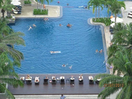 Novotel Hua Hin Cha Am Beach Resort and Spa: view of pool from room