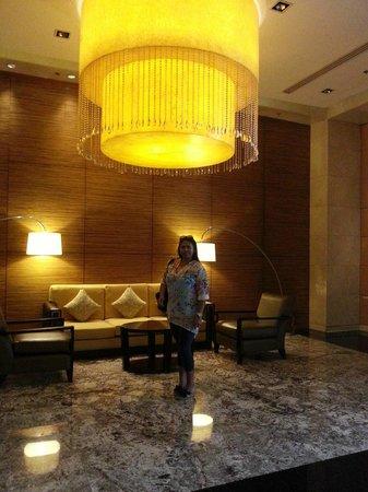 Manila Marriott Hotel: A nice waiting area.