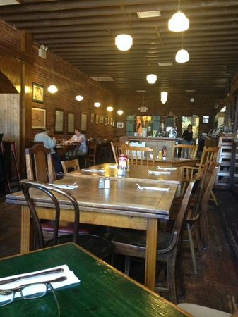 La Grange Cafe: The more casual lunch seating