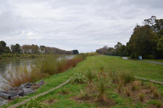 Victoria Esplanade Gardens: Manawatu River