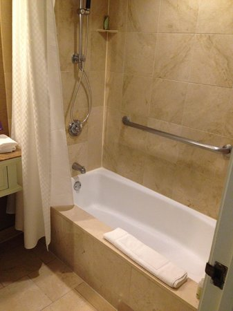 The Westin Riverwalk, San Antonio: Shower/Tub